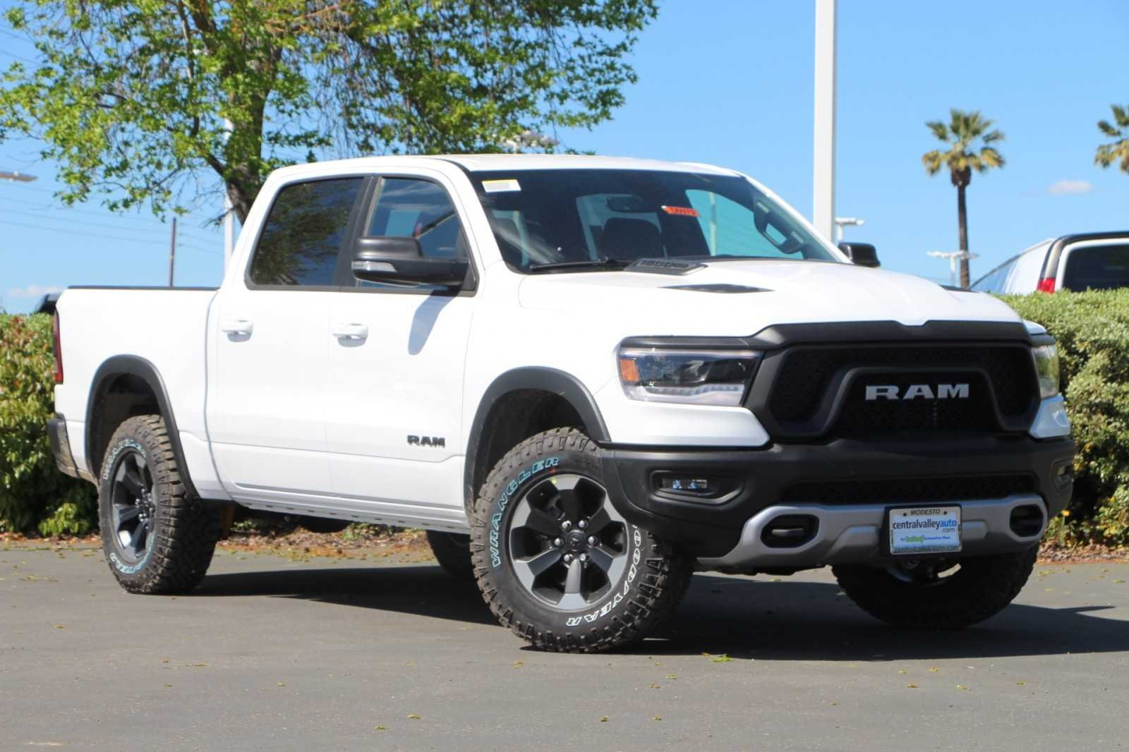 NEW 2019 RAM 1500 REBEL CREW CAB 4X4