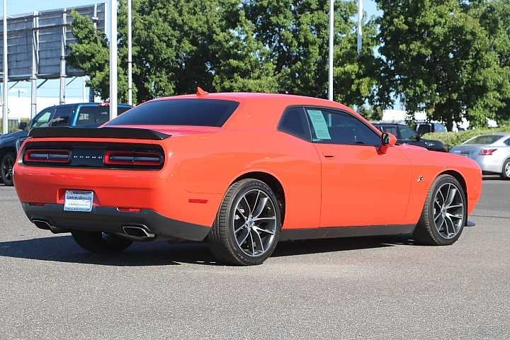 Certified Pre-Owned 2018 Dodge Challenger R/T Scat Pack