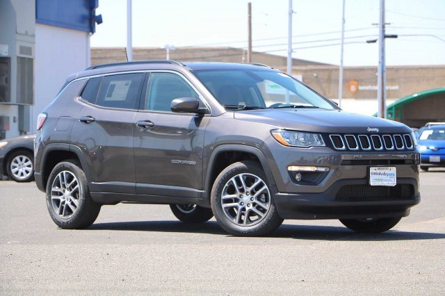 NEW 2019<br>JEEP COMPASS LATITUDE<br>FWD