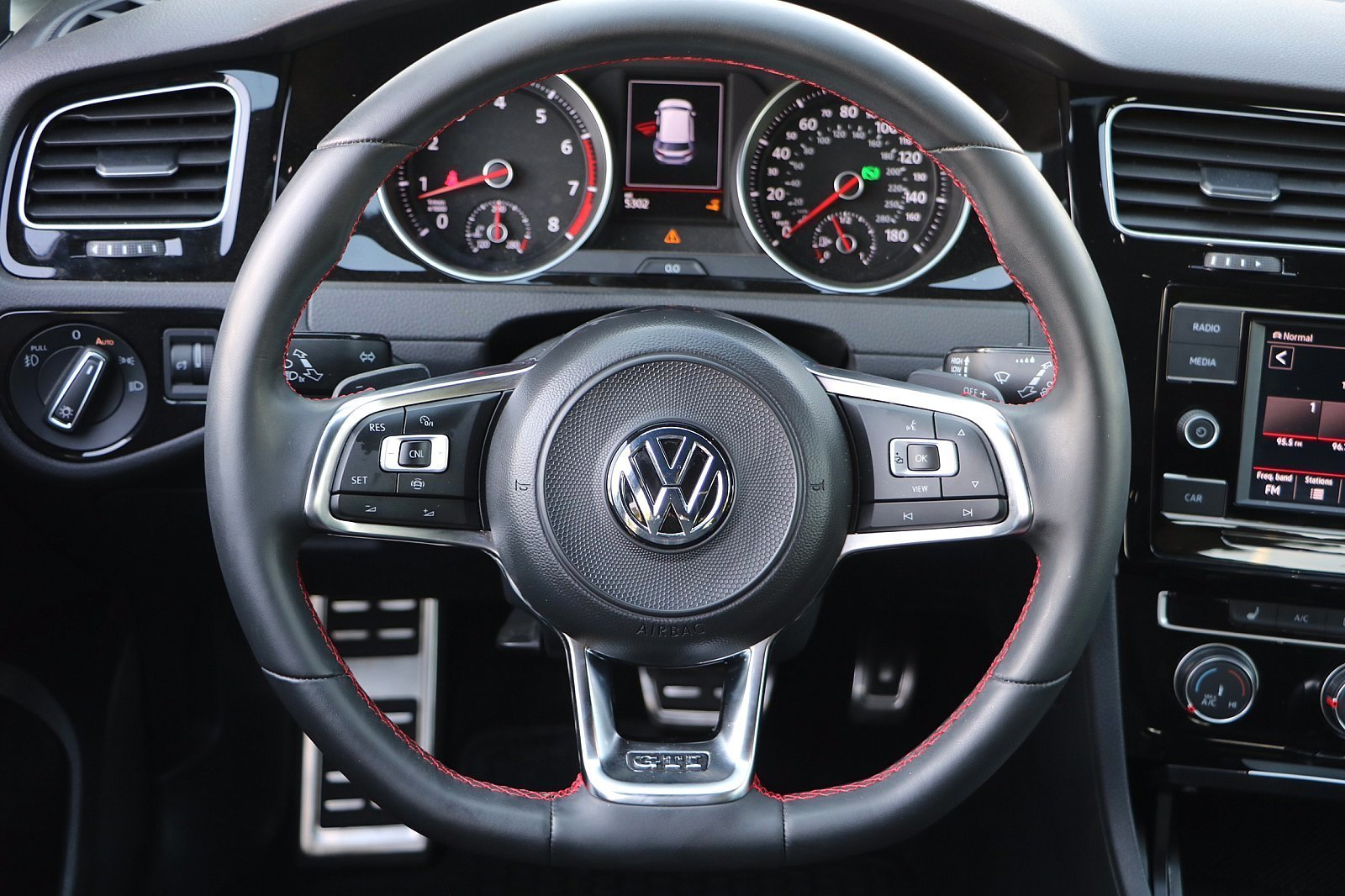 Pre-Owned 2019 Volkswagen Golf GTI