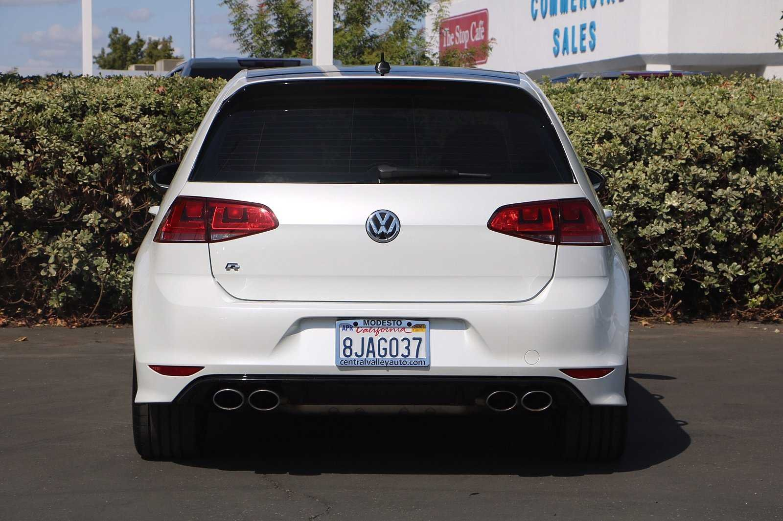 Pre-Owned 2016 Volkswagen Golf R