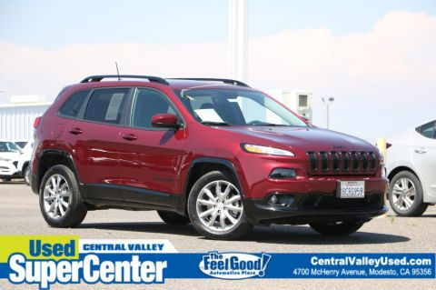 Pre-Owned 2018 Jeep Cherokee Latitude Tech Connect